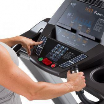 Tapisroulant professionale Spirit Fitness CT800 3,0 HP AC, 20 km/h, 56x152